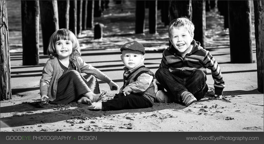 Capitola Beach Family Photos – by Bay Area portrait photographer Chris Schmauch www.GoodEyePhotography.com