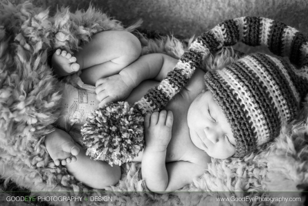 Newborn photos in Aromas, CA – by Bay Area family photographer Chris Schmauch www.GoodEyePhotography.com
