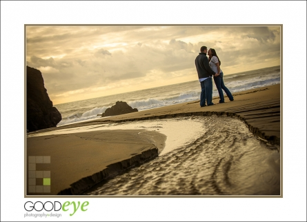 6939_d800_Megan_and_Dan_Panther_Beach_Engagement_Photography_web