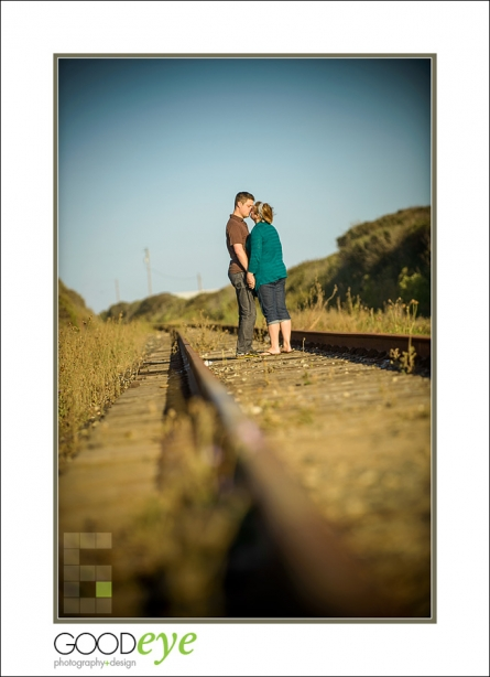 PAnther Beach Engagement Photos - Alexis + Adam - by Bay Area Wedding Photographer Chris Schmauch